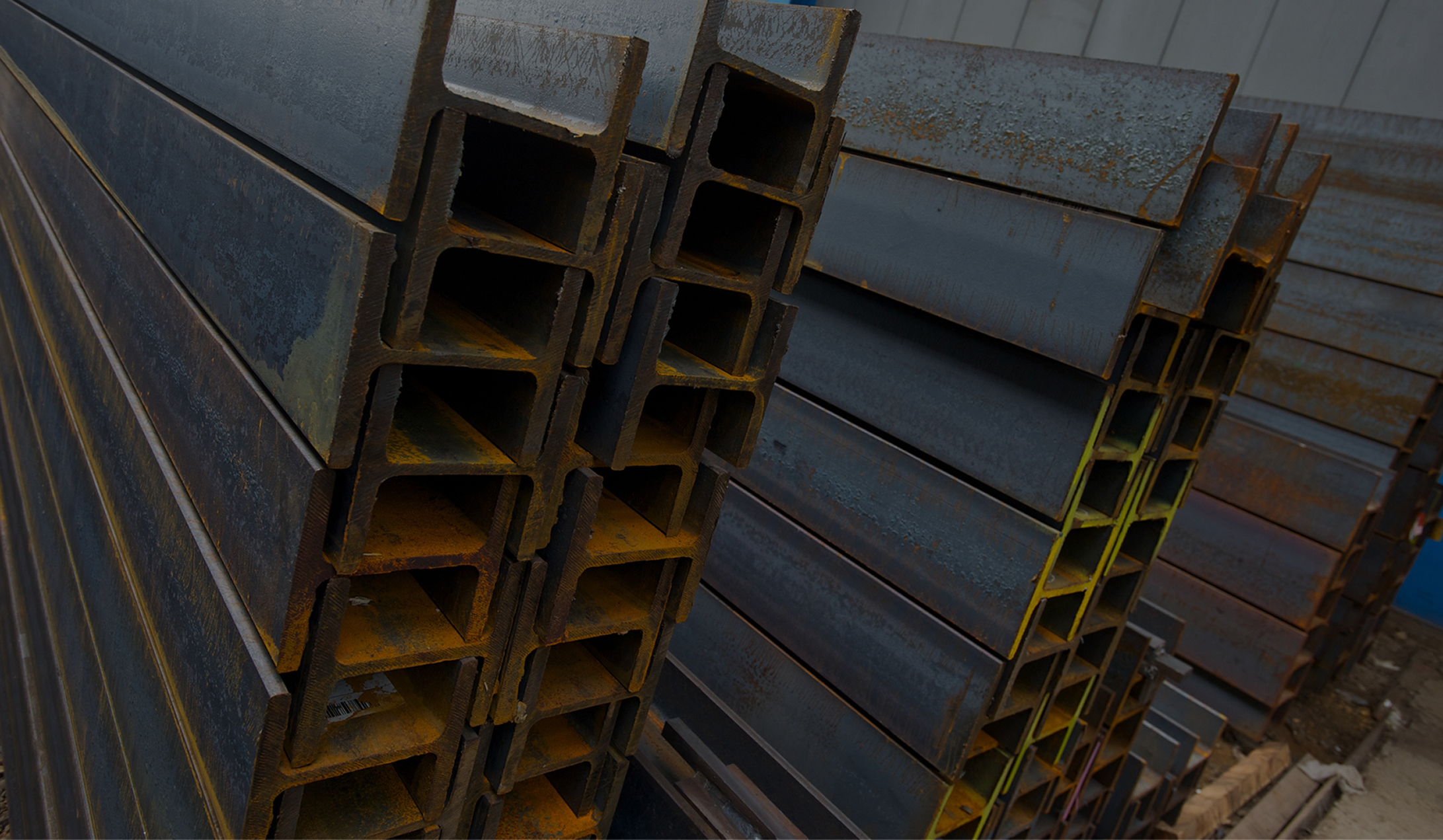 Contact, Steelport Maastricht, Zuid Nederlandse Buizen, Tata Steel Tubes, Tata Steel Feijen Service Centre, Tata Steel Multisteel Service Centre, Maasstaal, Laura Metaal, SteelSolutions, Vogten Staal. Decoilen, rol- en plaatbeitsen, slitten, knippen, snijden, buisfabricage, opslag, transport
